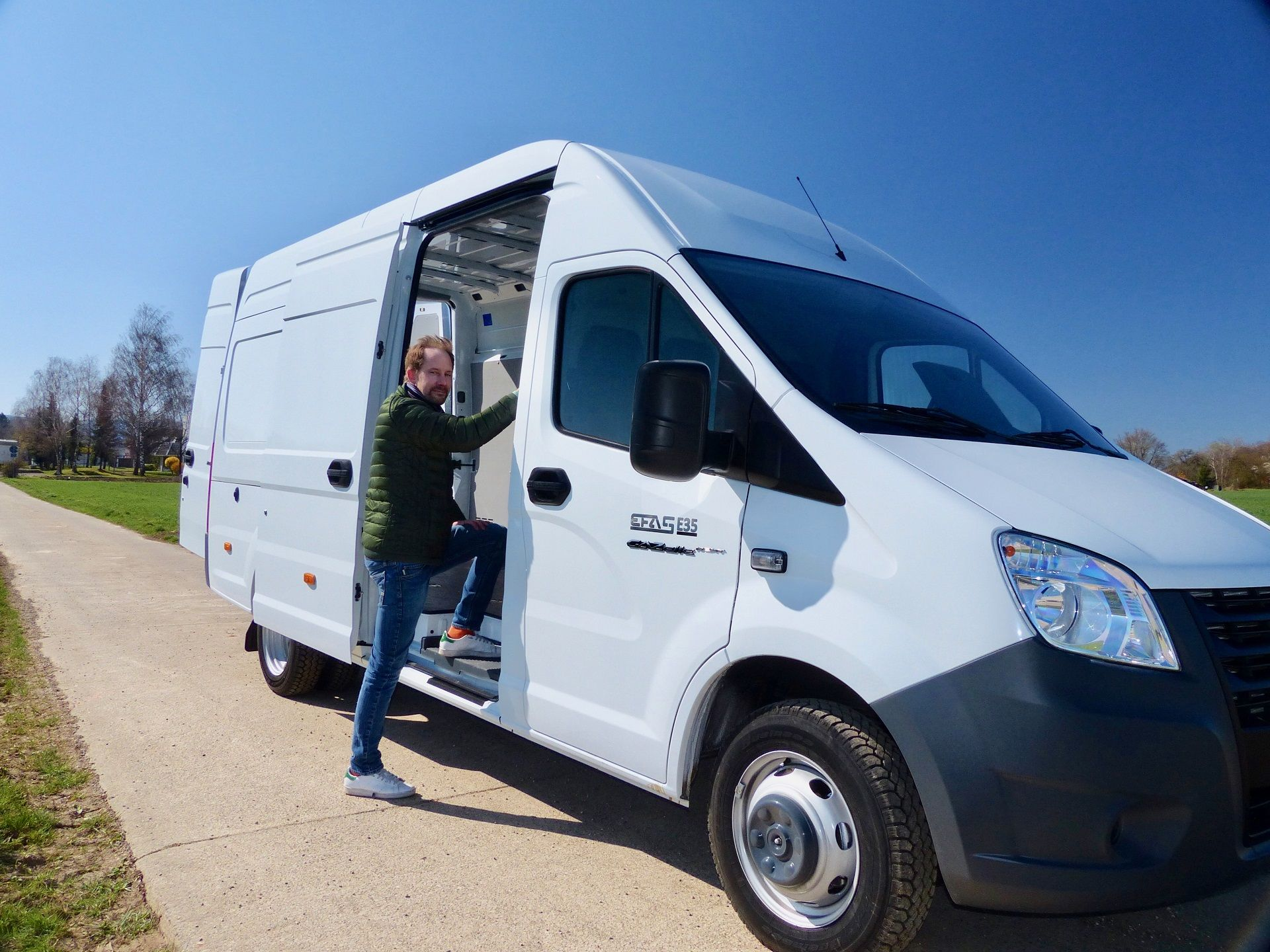 Electric GAZelle NEXT vans go on sales in Germany